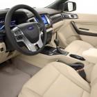 2015-ford-everest-interior2
