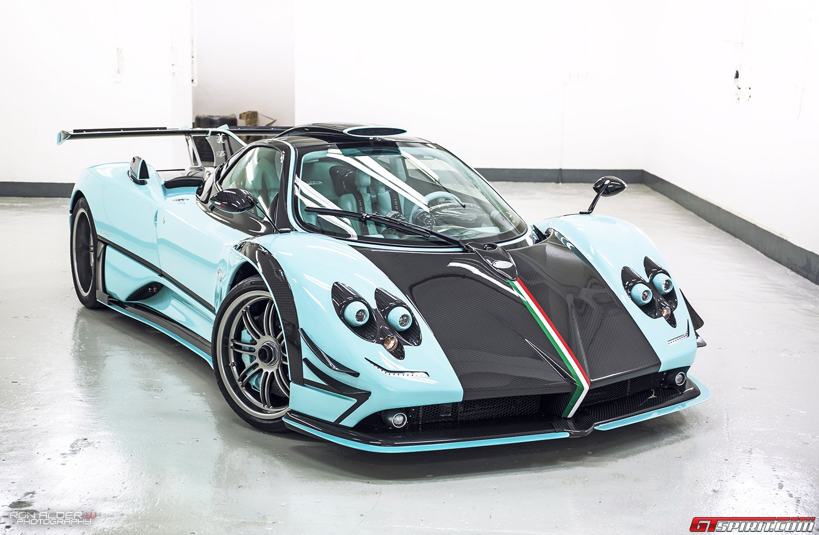 Pagani Cars News Pagani Unveils Exclusive One Off 760rsjx