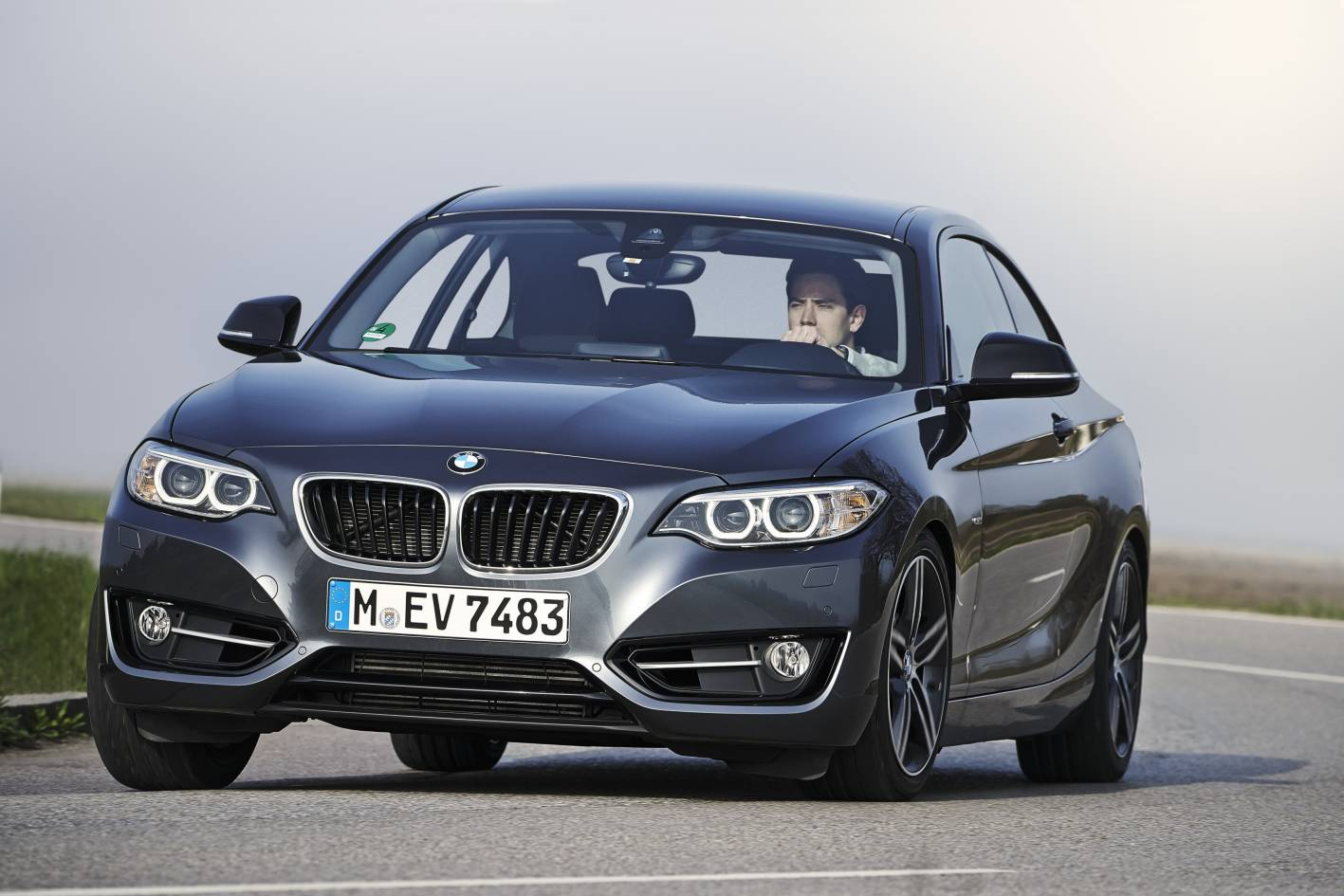 bmw cars news 228i coupe joins 2 series coupe range. Black Bedroom Furniture Sets. Home Design Ideas