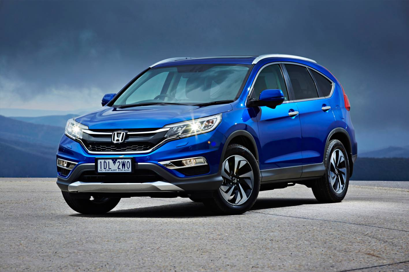 2015 honda cr v series 2 front quarter2