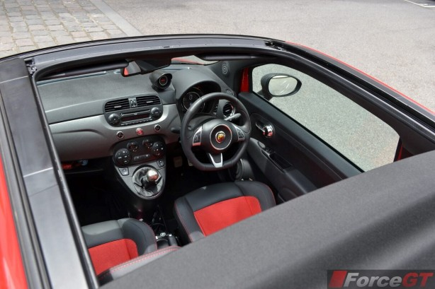 2015-abarth-595-competizione-convertible-roof-open