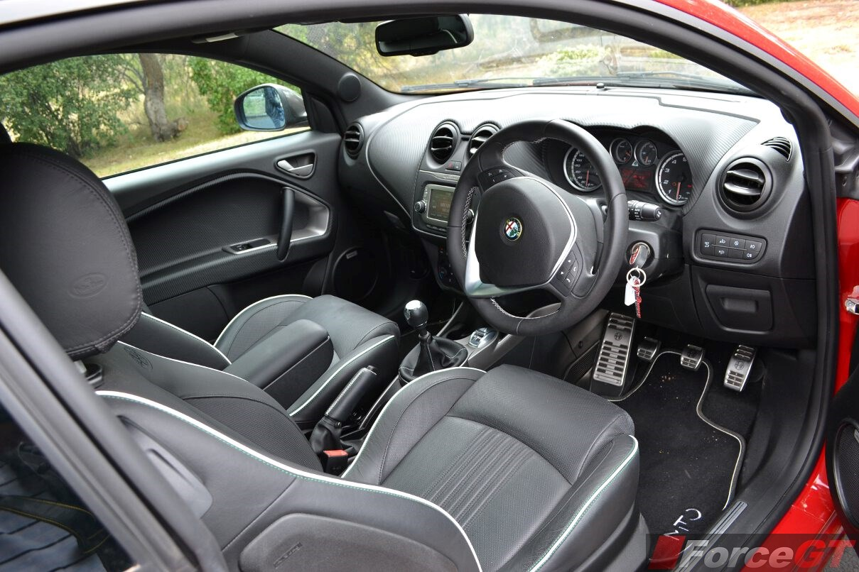 2015 alfa romeo mito qv interior. Black Bedroom Furniture Sets. Home Design Ideas