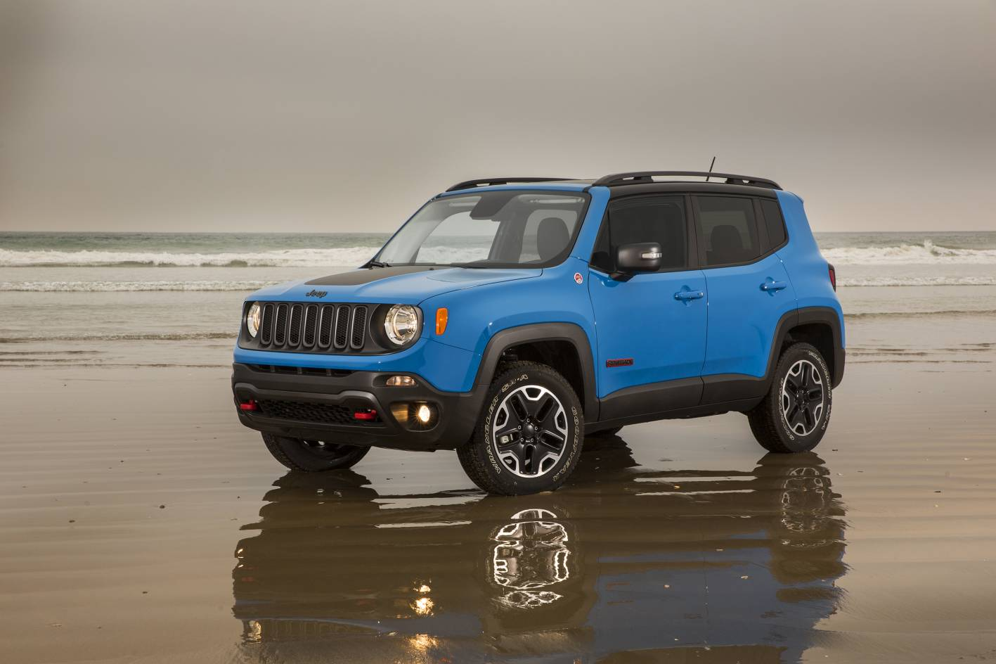 all new jeep renegade joins compact suv party. Black Bedroom Furniture Sets. Home Design Ideas