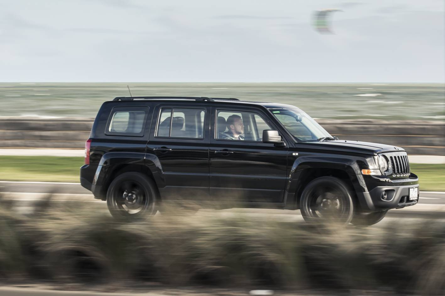 jeep patriot review 2015 patriot blackhawk. Black Bedroom Furniture Sets. Home Design Ideas