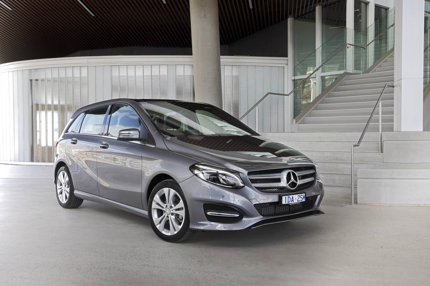 Mercedes cars news facelifted 2015 b class pricing and for Mercedes benz b class specifications