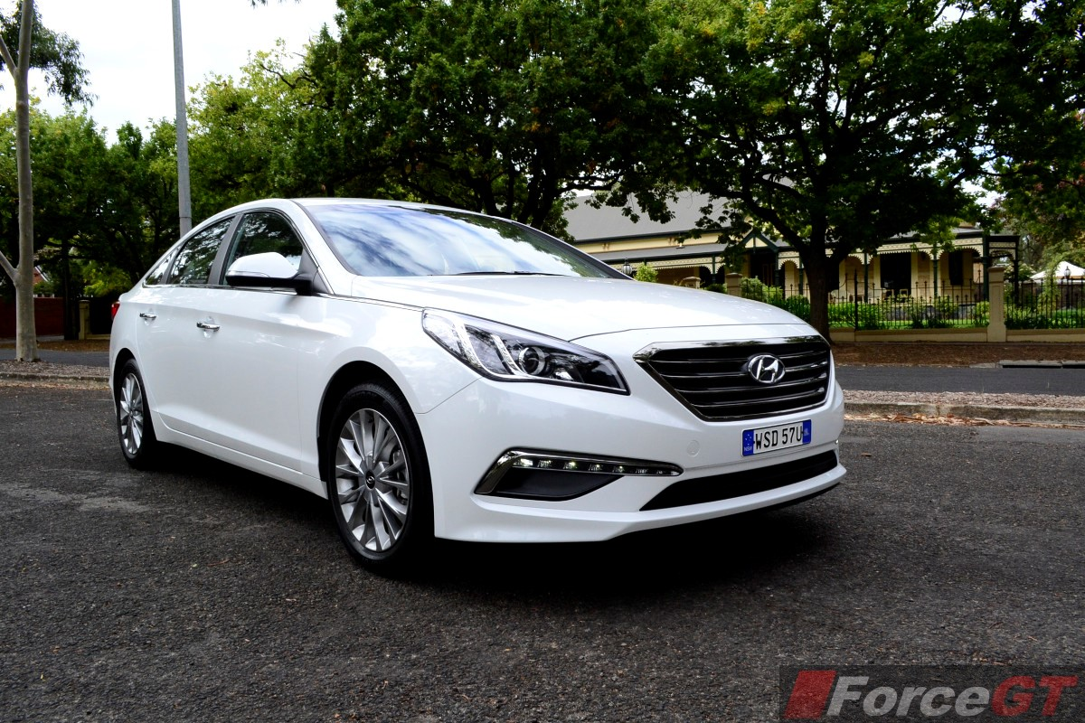 hyundai sonata review 2015 hyundai sonata. Black Bedroom Furniture Sets. Home Design Ideas