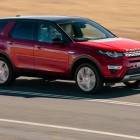 2015 Land Rover Discovery Sport HSE Luxury front quarter
