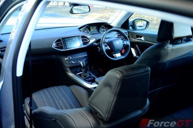 2015 Peugeot 308 Allure 1.6 interior