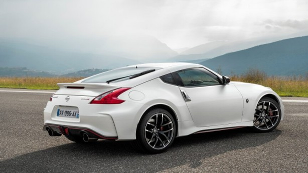 2015-nissan-370z-nismo-rear-quarter
