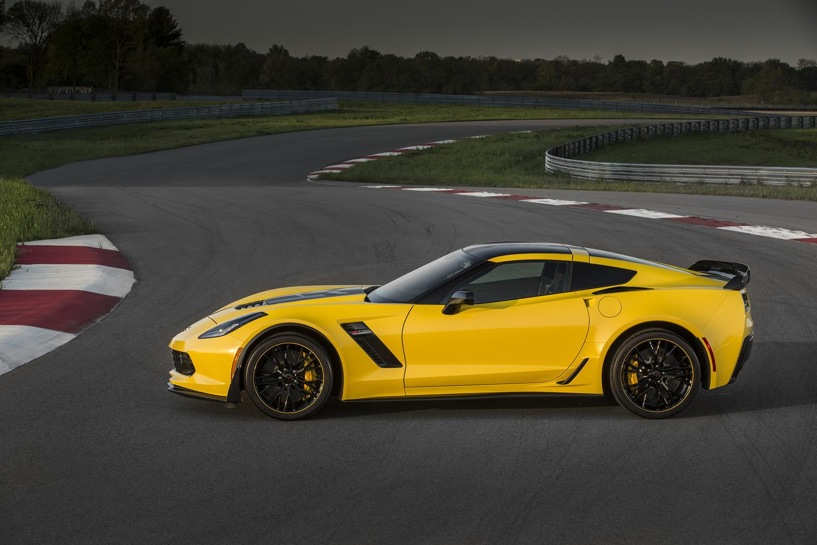 2016 corvette z06 c7 r edition unveiled. Black Bedroom Furniture Sets. Home Design Ideas