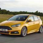 2016-ford-focus-st-front-quarter-rolling