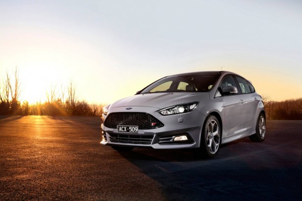 2016-ford-focus-st-front-quarter3