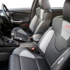 2016-ford-focus-st-front-seats