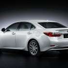 2016-lexus-es-facelift-rear-quarter