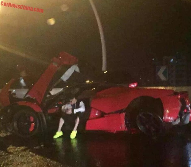 Ferrari LaFerrari crash-1