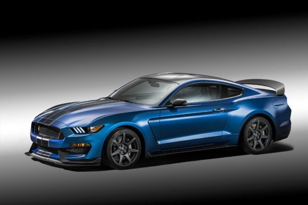 Ford Mustang Shelby GT350R front quarter