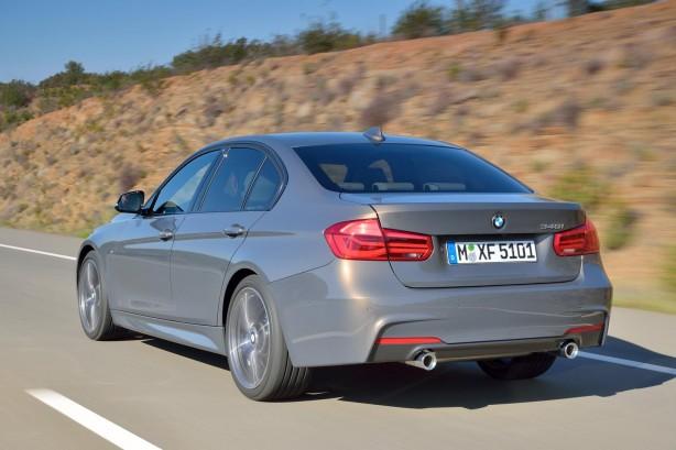 2015 BMW 3 Series Sedan rear quarter
