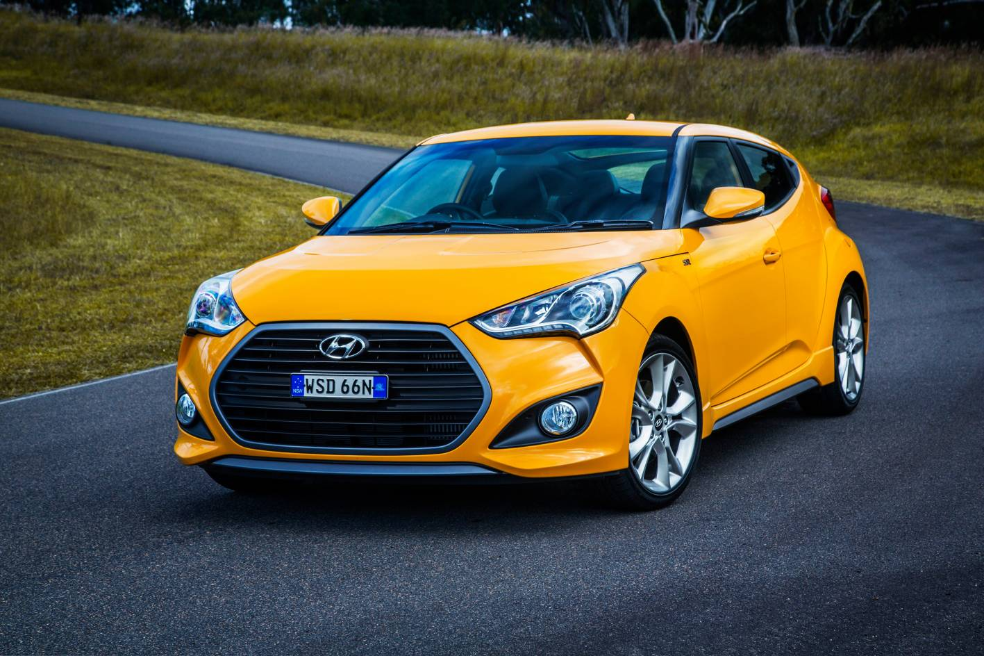 hyundai veloster revised with new features and sharper. Black Bedroom Furniture Sets. Home Design Ideas