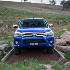 2016-toyota-hilux-front