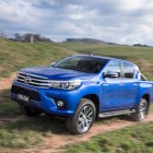 2016-toyota-hilux-front2
