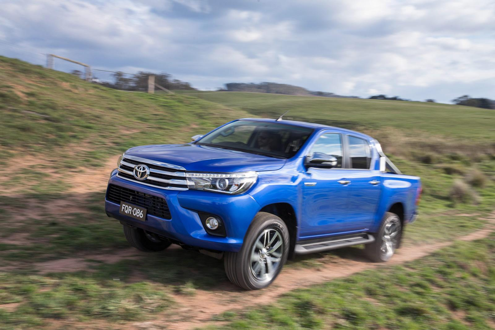 toyota cars news 2016 hilux pricing and specification. Black Bedroom Furniture Sets. Home Design Ideas