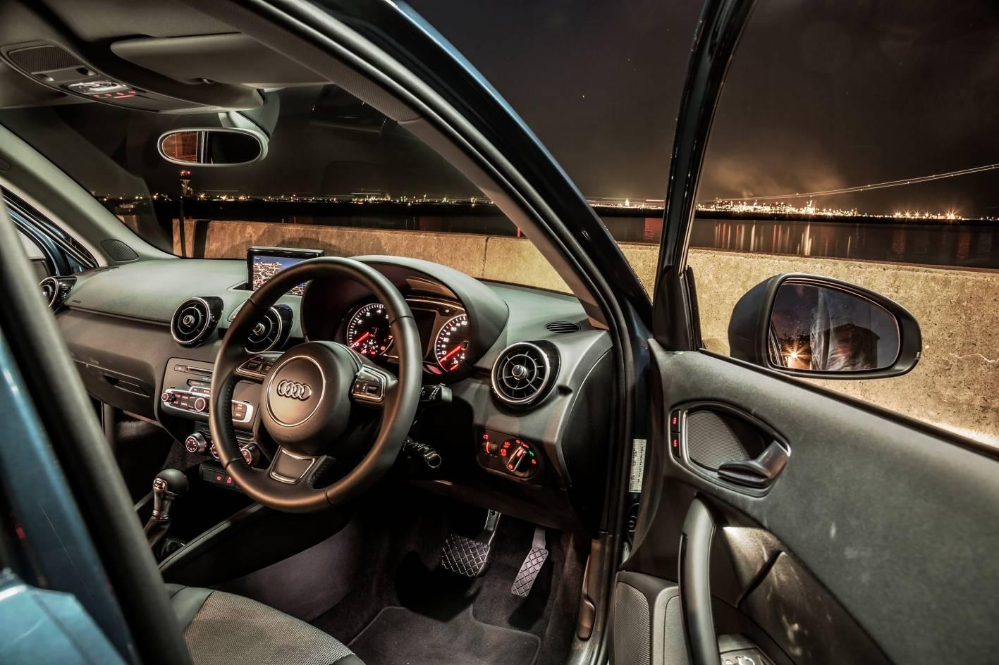 Audi cars news 2015 audi a1 sportback gets new 1 0l mill for Audi a1 sportback interieur