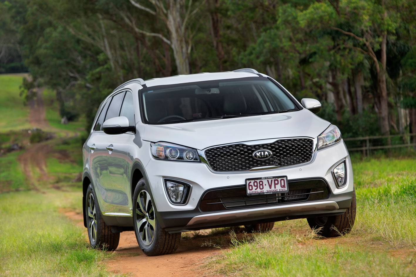 kia cars news 2015 kia sorento pricing and specification. Black Bedroom Furniture Sets. Home Design Ideas