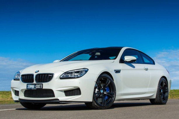 2015-bmw-m6-coupe-australia-model-front-quarter4
