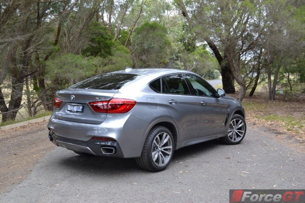 2015-bmw-x6-rear-quarter