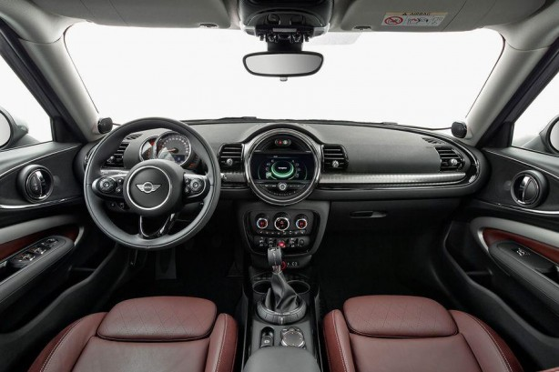 2016 MINI Clubman S interior