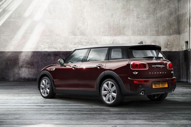 2016 MINI Clubman S rear quarter