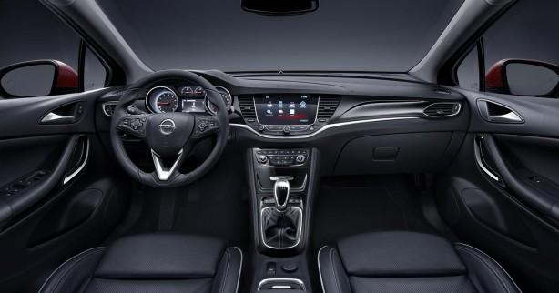 2016 Opel:Holden Astra interior