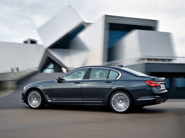 2016-bmw-7-series-side