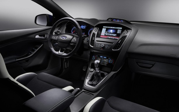 ford-focus-rs-interior