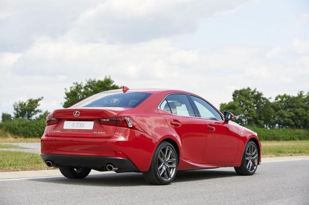 lexus-is-200t-rear-quarter2