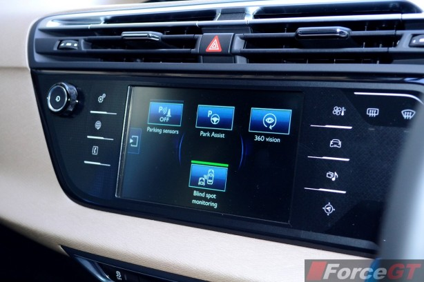 2015 Citroen C4 Picasso infotainment screen