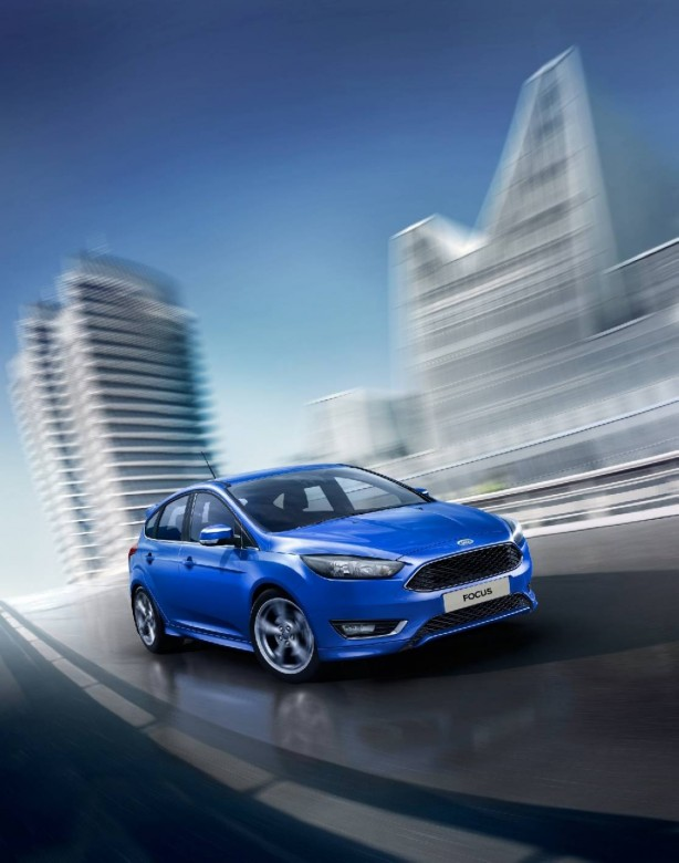 2015 Ford Focus front quarter