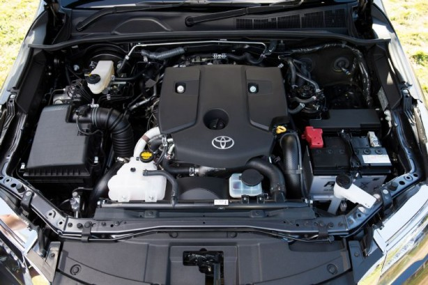 2015 Toyota Fortuner engine