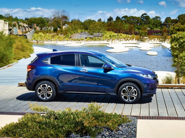 2015-honda-hr-v-side3