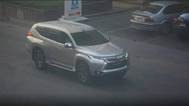 2016 Mitsubishi Challenger spy photo front quarter