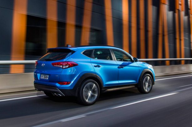 2016-hyundai-tucson-rear-quarter