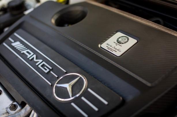 Mercedes GLA 45 AMG engine