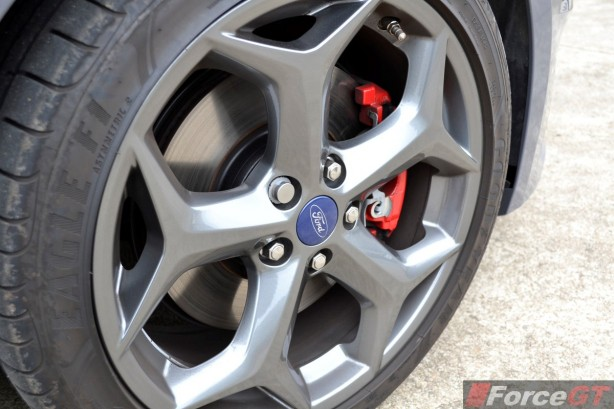 2015 Ford Focus ST 18-inch alloy