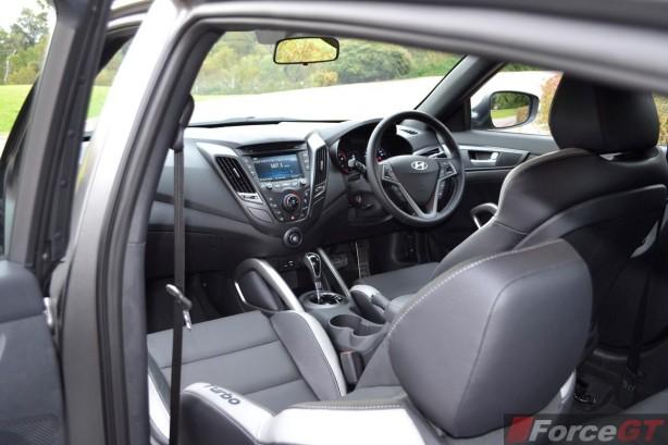 2015 Hyundai Veloster SR matte grey interior