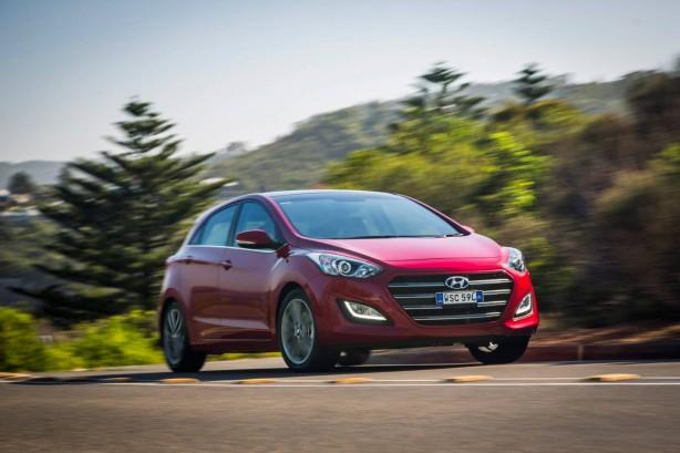 2015 Hyundai i30 front quarter