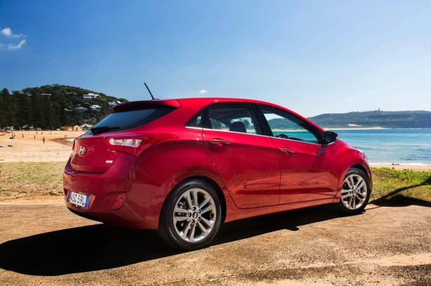 2015 Hyundai i30 rear quarter