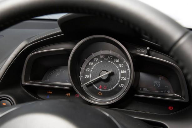 2015 Mazda2 sedan instruments