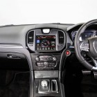 2015-chrysler-300-srt-facelift-interior