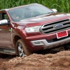 2015-ford-everest-off-road-1