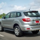 2015-ford-everest-off-road-rear